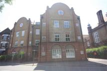 Flat to rent in 8 Bromley Road...