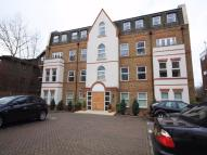 Flat to rent in 45 Copers Cope Road...