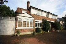 5 bedroom Detached home to rent in Foxgrove Avenue...