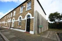 Cottage to rent in Mooreland Road, BROMLEY...