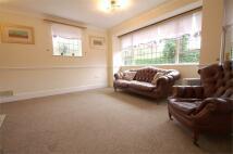 2 bed Detached Bungalow in Manor Park, Chislehurst...