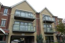 2 bedroom Flat in Buckhurst Way...
