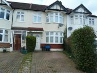 3 bed Terraced home to rent in Greenway, Woodford Green