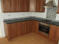 Flat to rent in St Johns Road, Waterloo...