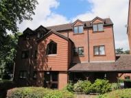 Flat to rent in Checketts Court...