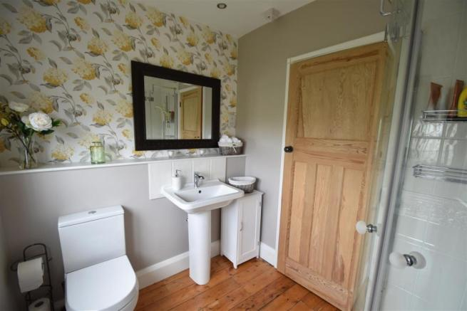 1 Shower Room.JPG
