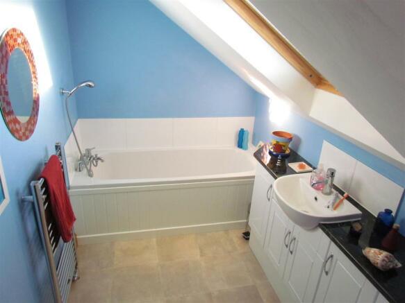 IMG_0154 bathroom 2