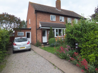 2 bedroom semi detached house to rent in Hillside, Kempsey, wr5,