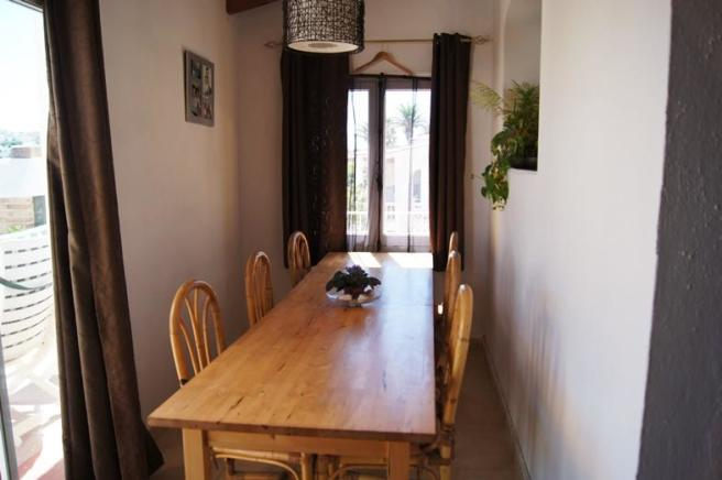 Extra dining/office