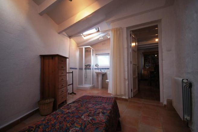 Bedroom en-suite