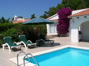 Bourganvilla & pool