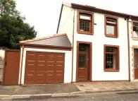 3 bed semi detached house in Taff Street, Ferndale