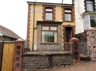 3 bed End of Terrace house for sale in Glas Fryn Terrace...