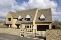 4 bedroom Detached property in Church Close, Broadway...