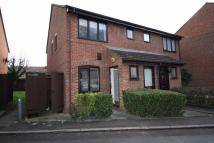 1 bed Maisonette in Davids Way, Ilford...
