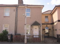 Terraced house to rent in Cross Road, Croydon, CR0