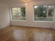 2 bed Maisonette to rent in Brigstock Road...