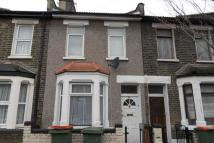 2 bedroom semi detached home to rent in Pond Road, London