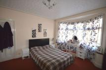 5 bed house to rent in Dawlish Drive...