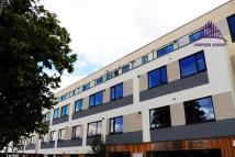 2 bedroom Apartment in West Plaza, London Road...