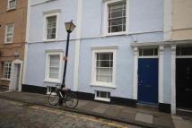2 bed Flat to rent in GLOUCESTER STREET...
