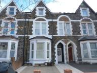 Flat to rent in Richmond Road, Roath...