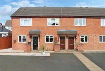 2 bedroom Terraced property for sale in Acorn Road, Catshill...