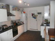 2 bed Flat in Brookscroft Road...