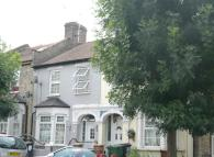 3 bedroom Terraced property for sale in Kenilworth Avenue...