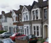 Flat to rent in Wanstead Park Road...