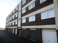 Flat to rent in Moorside Court, Cowgate...