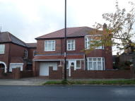 5 bed Detached house in Wingrove Road North...