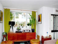 Flat to rent in Dunsmure Road, London...
