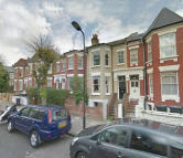 2 bedroom Flat to rent in Glaserton Road, London...