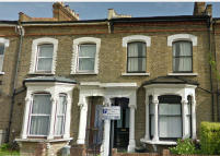 4 bedroom property in Dynevor Road, London, N16