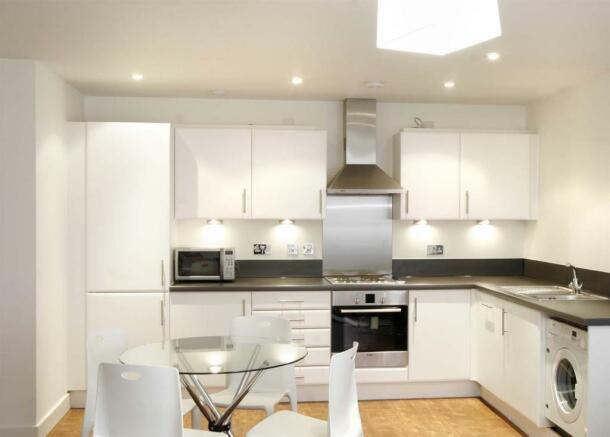 P1112 kitchen pf.jpg