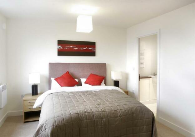 P1112 Bedroom pf.jpg