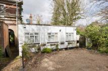 2 bedroom Bungalow in Woburn Hill, Weybridge...