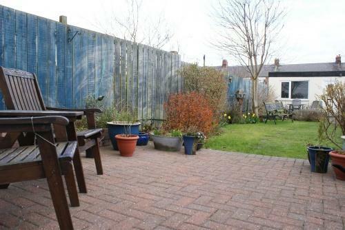 Private Rear Garden & Sun Terrace