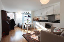 Studio flat in Weedington Road, London...