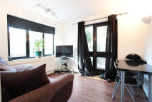 Whitehorse Lane Flat to rent