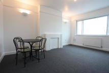 Flat in The Downs, London, SW20