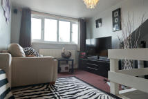 Flat to rent in Clifton Road, London...