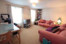 3 bedroom Flat to rent in Gaskarth Road, London...