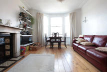 Ground Flat to rent in Clarence Road, London...
