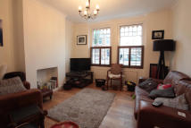 Flat to rent in Stephendale Road, London...