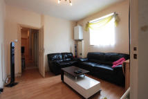 Flat to rent in Finborough Road, Mitcham...