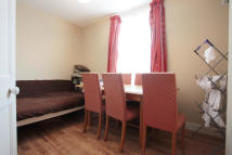 3 bedroom Flat in Tynemouth Road, Mitcham...
