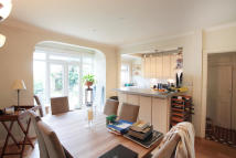 4 bedroom semi detached house in Sandgate Lane, London...