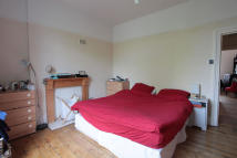Flat to rent in Barcombe Avenue, London...